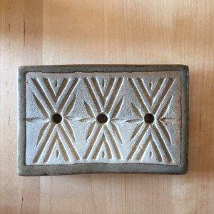 Porte savon en poterie rectangulaire